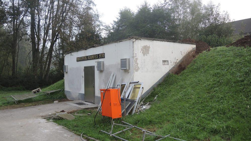 <p>Betriebsgebäudezu Beginn der Sanierungsarbeiten</p>