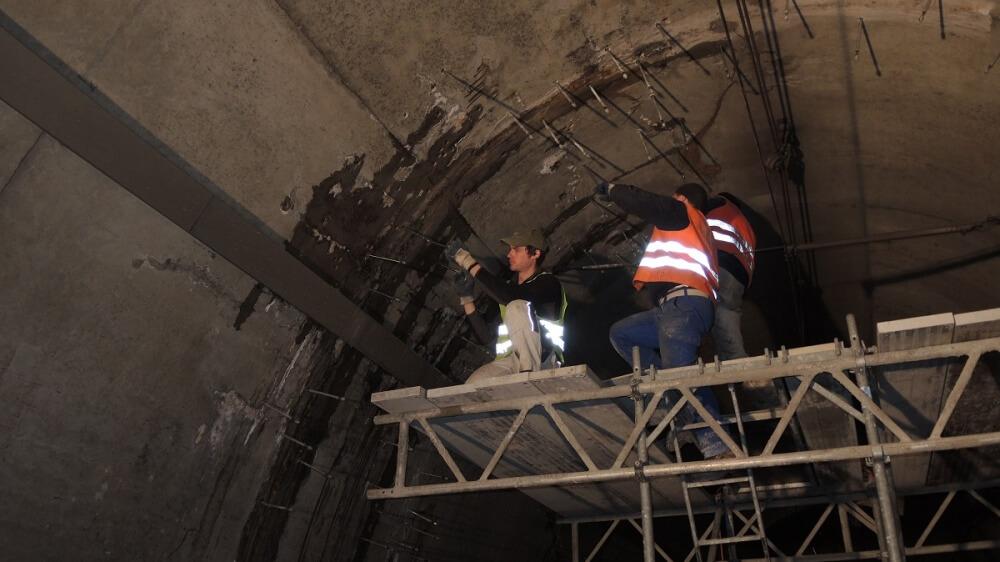 <p>Packereinbau Tunneldecke</p>